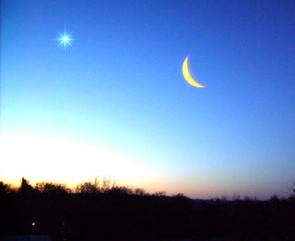 Mondsichel begegnet Venus