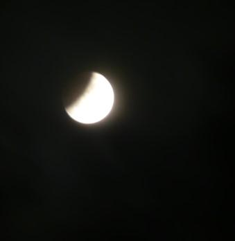 Beginnende Mondfinsternis
