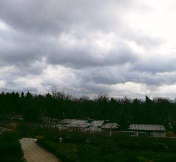 Rasch wechselndes Wolkenbild