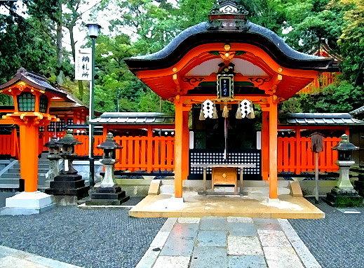 Nebenschrein auf dem Fushimi Inari Taisha in der Nähe des Hauptschreins!