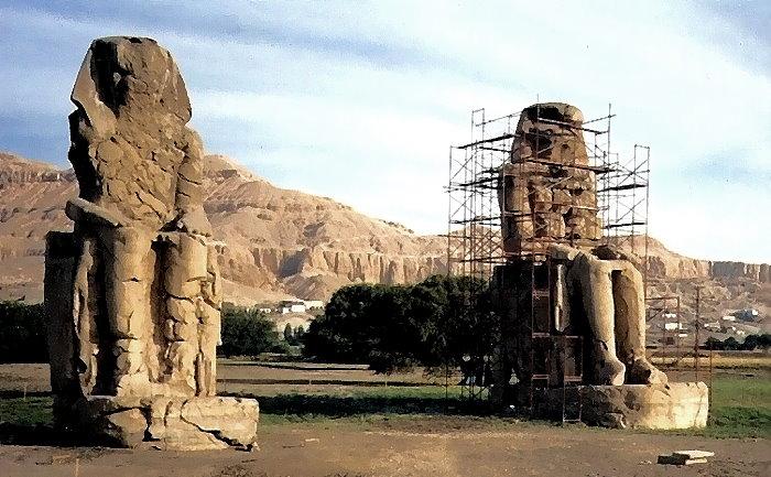 Die beiden Kolosse von Memnon am Westufer des Nils bei Luxor!