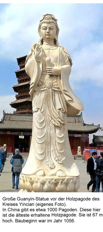 guanshiyin-3-grose-guanyin-statue-vor-altester-erhaltener-holz-paode.jpg