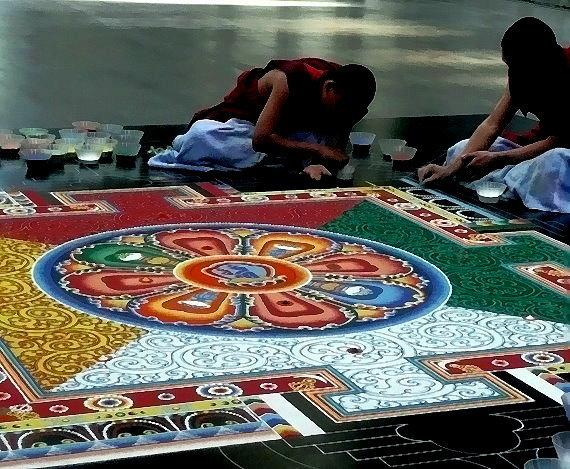 Sicht auf das halbferiige Mandala am Nachmittag des 02. Oktober 2011