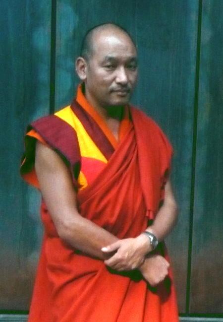 Fragen beantwortender Mönch