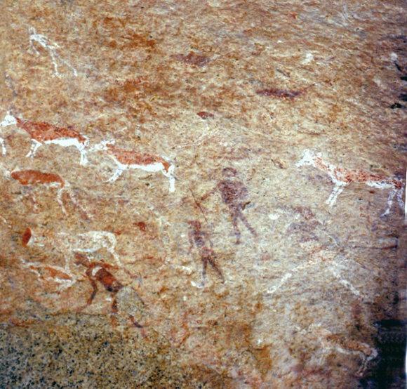 namibia-felsmalerei-weise-dame-brandberg.jpg