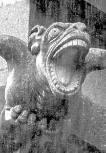Atman Dämon fährt aus dem  Nidaros Dom